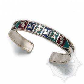 Bracelet argenté incrusté de petites pierres multicolores - OM MANI