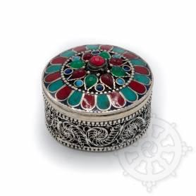 Boîte reliquaire argentée incrustée de pierres - Rouge
