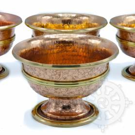 Jeu exclusif de 7 grands bols en cuivre massif, martelé et gravé à la main! Exaltez vos offrandes!