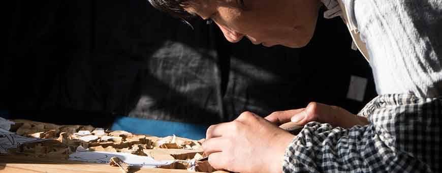 Holzschnitzereien aus Nepal