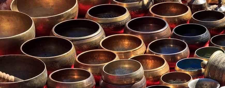 Bols chantants tibétains pour utilisation en thérapies, chakras, méditation, relaxation, musique., 2019