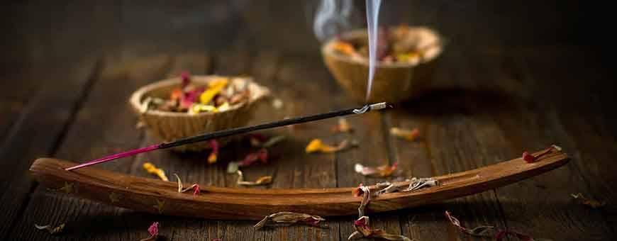 Encens naturel tradition rituel, objets et conseils liés à la tradition de la fumigation. Produits naturels uniquement!, 2020