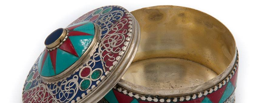 Bijoux Reliquaires homme-femme Himalaya nature or argent pierres