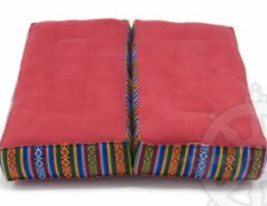 The rectangular shape, often referred to as the square or rectangular meditation cushion, provides amazing comfort.  It is a model widely used in Tibetan Buddhist centers and temples.  There is also a variation, originating from Nepal, which, when folded in the centre, doubles the height of the cushion and makes it easy to transport. These two types of meditation cushions are fairly or even very firm.