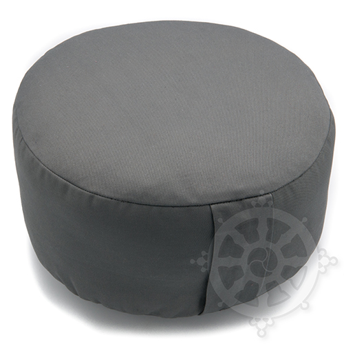 The RONDO is a cylindrical meditation cushion without folds.  Its height has been studied in order to allow a correct sitting during meditation sessions for people who lack hip flexibility or suffer from a knee problem.  The edges of this meditation cushion are usually rounded in order to reduce the cut-off of blood circulation under the thighs.  This form of meditation cushion will allow you to sit in its center.